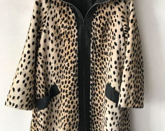 Spotted coat from faux fur patchy and velvet fur warm coat with big collar long retro old coat winter women's brown vintage has size-small.