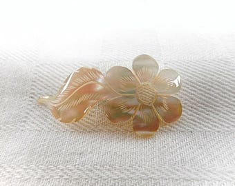 Carved Vintage Mother of Pearl Floral Brooch / Pin New Old Stock (C720)