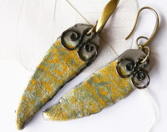 Earrings * Les P'tites frescoes *, colors Orange and forest green handcrafted ceramic glazed, one of