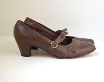 1960s brown leather MARY JANE shoes 9