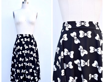 bow ties skirt / small to medium