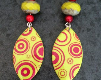 EARRINGS GREEN AND RED POLYMER CLAY PENDANT