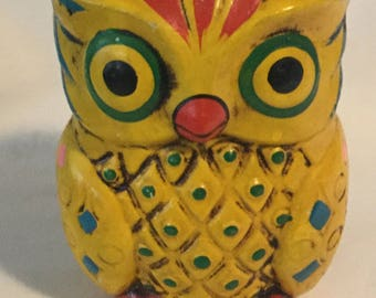 Vintage Funky Retro Yellow Ceramic Owl Bank