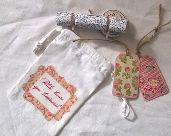 Small fabric bag 'Small stuff lying around' frame floral 10 x 15