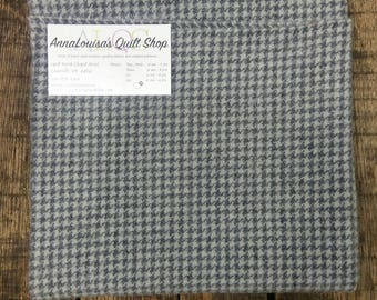 Hand-dyed Wool Fat Quarter -- Grey Houndstooth -- FQ8885