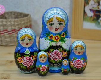 Miniature matryoshka, Gift idea for woman, Russian nesting doll, Gift for friend, Cute gift for her, Wooden hand painted babushka, Art dolls