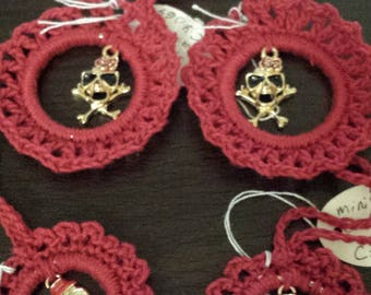 Crocheted  4  AnyTime Ornaments small red male and female skulls goth  inventory clearance