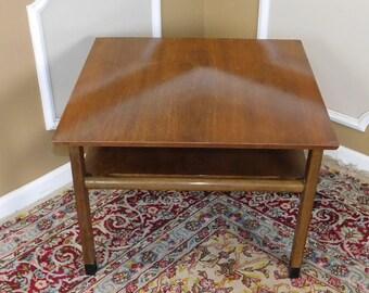 Mid Century Edward Wormley For Dunbar Walnut Living Room Lamp Table c1950s