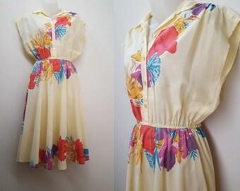 1970s Dress / 70s Yellow Tropical Print Floral Summer Shirt Dress