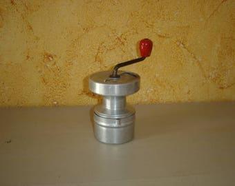 Moulin à café type diabolo Hop AS.  Old coffee grinder.  Vintage. France
