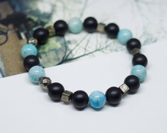Blue moon / concept beaded bracelet