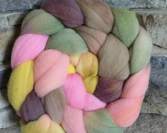 Targhee Combed Top Spinning Fiber - Hand Painted - Feltable - approx. 4 ounces - ENGLISH COTTAGE