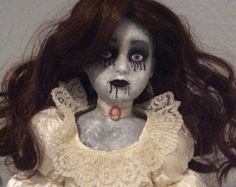 Creepy doll -Ophelia