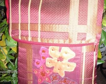 Small clutch or shoulder bag