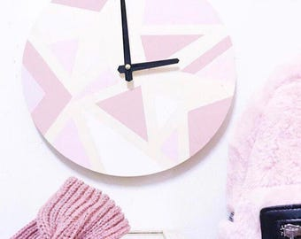 Wooden clock to personalize