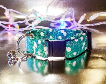 Cute Sparkle/Glitter Green Twigs and Berries Pattern Cat Collar- Winter/Holiday/Christmas Collection