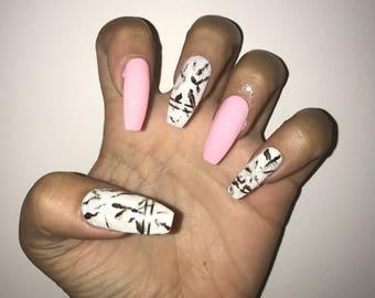 Marble acrylic nails