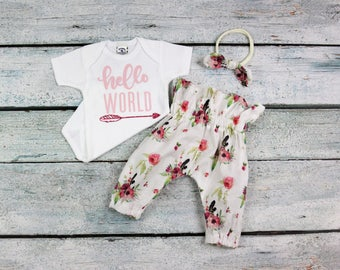 Baby girl/coming home outfit/boho baby/floral and feathers/newborn girl