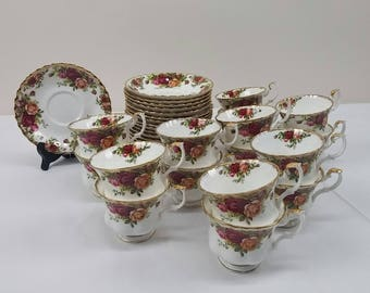 Royal Albert Old Country Roses Tea Cups and Saucers Bone China England