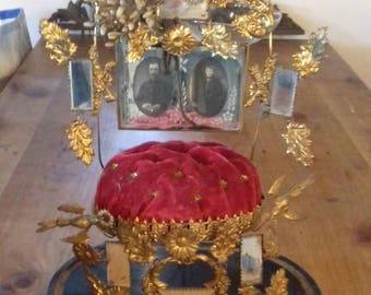 Antique plush stand French Globe de Marriage