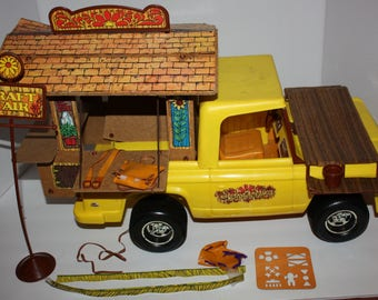 The Sunshine Family Van with Piggyback Shack Playset