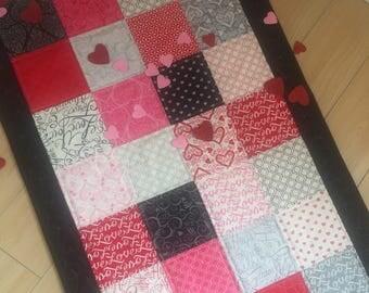 Valentines Day Tablerunner, handmade Tablerunner,