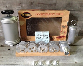 Vintage Mirro Cooky & Pastry Press with Mirro Cake/ Cookie Decorator Set