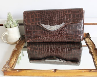 Vintage Jill Stuart New York Dark Brown Crocodile Alligator Embossed Leather Scallop Envelope Clutch Silver Engraved Plate Evening Bag Purse