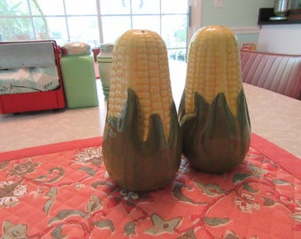 Vintage Ceramic Corn on the Cob Salt & Pepper Shakers