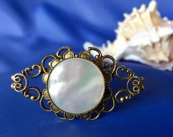 Vintage Mother of Pearl Brooch, Vintage MOP Brooch, Vintage MOP Pin, Mother of Pearl Pin