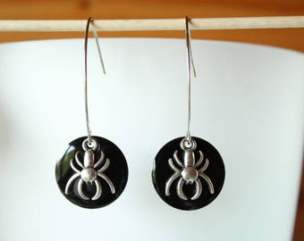 HALLOWEEN sequin black enamel and silver spider earrings