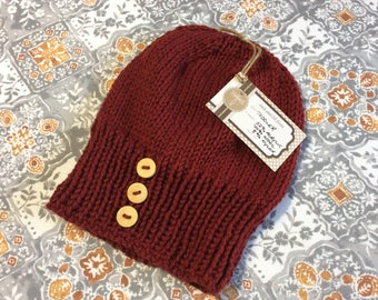 Slouchy 3 button hat.