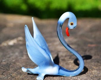 Blue Glass swan figurine bird black and white blown miniature glass paperweight children collectible animal toys colorful sculpture cute gif
