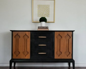 Vintage Mid Century Modern Buffet/Cabinet *Local Pick Up Only