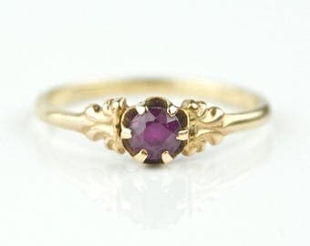 Lovely Victorian Solid Rose Gold & Ruby Ring, Size 6.75, 1.6 grams