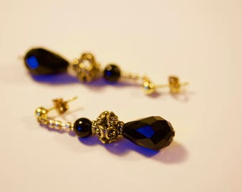 Gold Earrings with Black Crystal