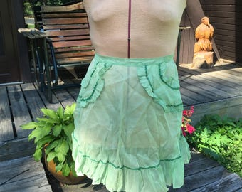 Vintage Retro Sheer Green Half Apron, Two Pocket Apron, Light Green Apron with dark green trim,