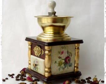 Coffee grinder,Manual grinder,kitchen decor vintage look,Flower vintage,Shabby Chic Decor,Vintage coffee mill,wooden grinder,Old coffee mill