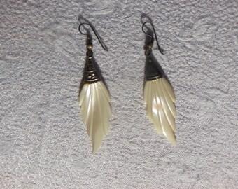 Leaves Pearl Earrings