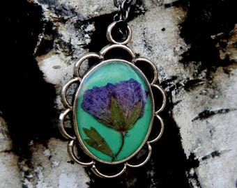 Pressed Forest Flower Pendant, Mint Resin Necklace, Spring Floral Necklace, Nature Lovers Gift, Woodland Jewelry, Nature Inspired Terrarium