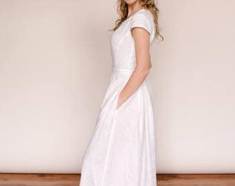 Linen wedding dress/flowy wedding dress/simple wedding dress/modest wedding dress/robe de mariee/beach wedding dress/casual wedding dress