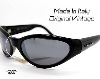 Occhaili da sole vintage uomo avvolgente accattivante sportivi nero specchio Made in Italy sunglasses men enveloping black mirror lens