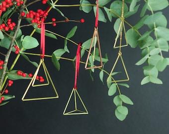 Weihnachtsdeko Baumschmuck 4 Stücke | geometrische Messing Anhänger | minimalistisches Design Baumschmuck | Dreiecke Tetrahedron
