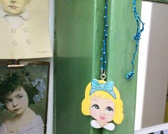 Necklace dolls head alice zoownatas