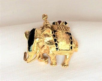Estate 18K HEAVY Yellow Gold Elephant Sapphire Ruby Vintage Pendant or Brooch Pin 6.7g Marked 18 k kt Italy Antique Maharaja India Mahout