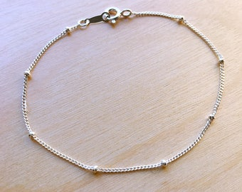 Tiny silver satellite bracelet//925 silver//Minimalist//Dainty//Delicate//Everyday//