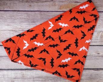 Bats Dog Bandana / Halloween Dog Bandana / Halloween Cat Bandana / Over the Collar / Dog Scarf / Dog Neckerchief / Black Dog Bandana