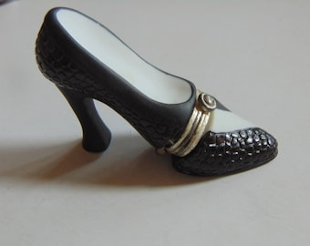 Midwest of Cannon Falls  creates black high heel pumps