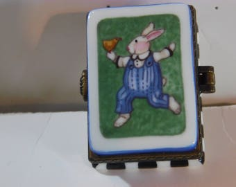 Midwest6 of Cannon Falls created the COOL DUDE rabbit trinket for Sue Dreamer