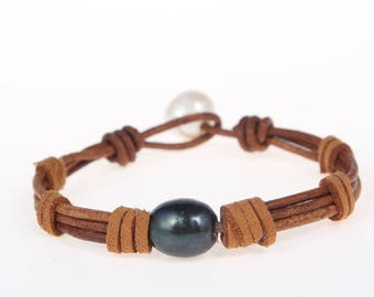 Hand made friendship bracelet - pearl leather woven bracelets - black pearl bracelet - white pearl bracelet - bridesmaid bracelet